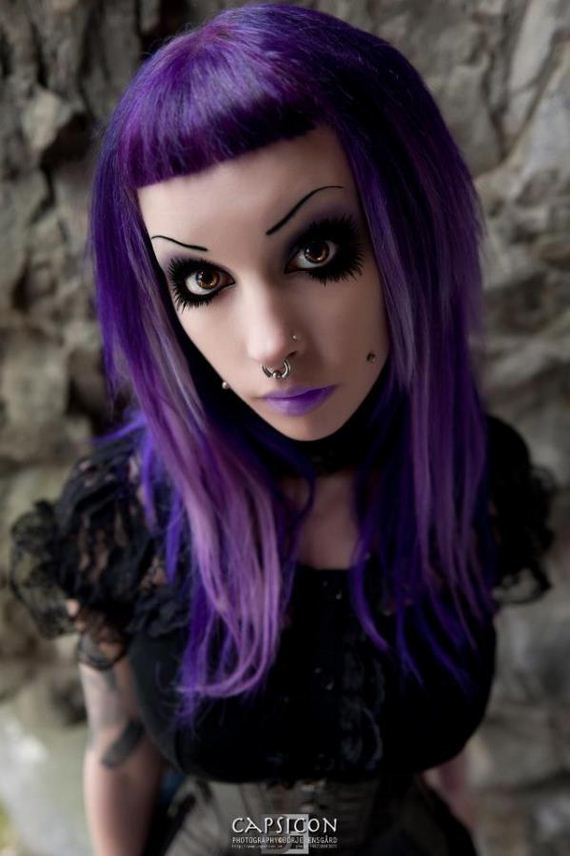Goth-Girls-Look-Great