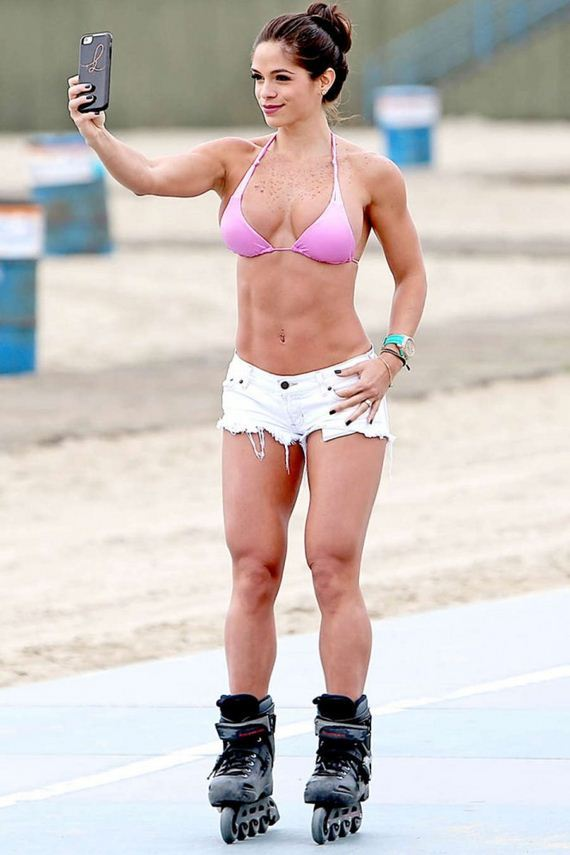 Michelle-Lewin-in-Shorts-and-Bikini