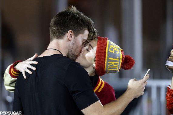 Miley-Cyrus-Kissing-Patrick