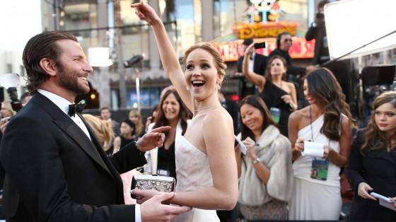01-Jennifer-Lawrence-Oscars-GIF