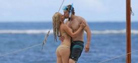 Heidi Montag – Wearing Bikini in Hawaii
