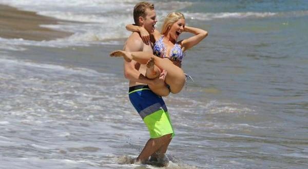 Heidi Montag – Bikini Candids in Hawaii