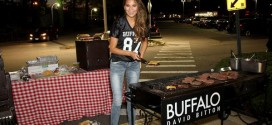 Chrissy Teigen – Hosts a Tailgate Party for the Jets/Patriots Game in Paramus