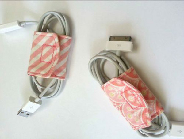 tutorial diy cord keeper from fabric scraps. Black Bedroom Furniture Sets. Home Design Ideas