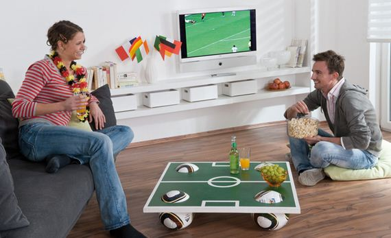 00-world-cup-party-decor-home-coffee-table-soccer-field-top