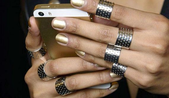 03-Nail-Trends-for-Fall-Winter