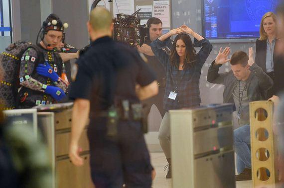 Megan-Fox-arrested-tmnt2-008
