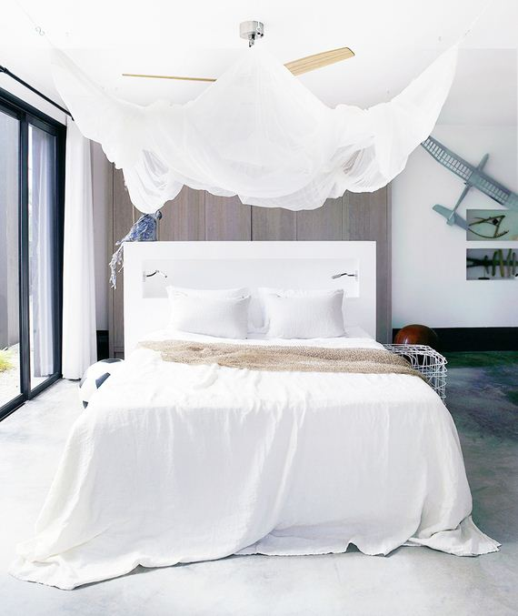 02-Canopy-Beds