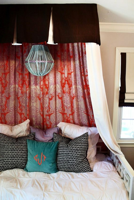 04-Canopy-Beds