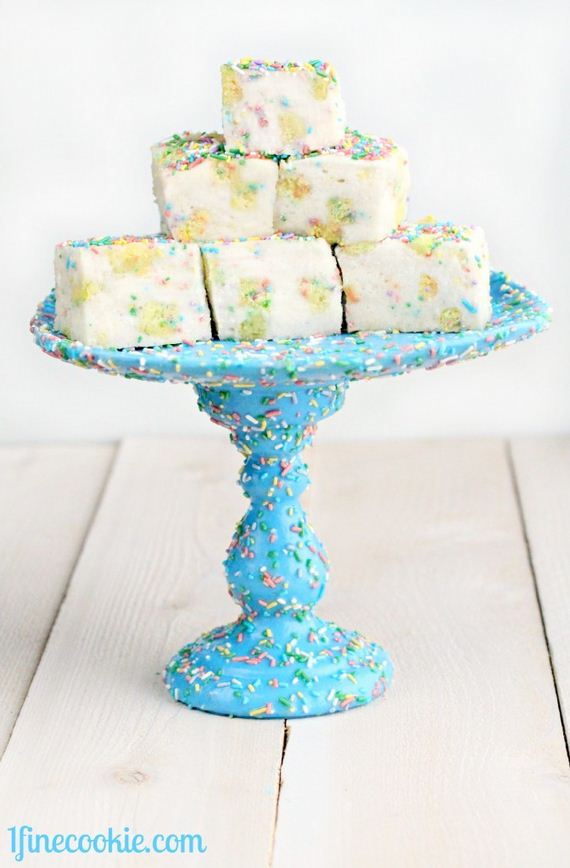 09-Cake-Stands