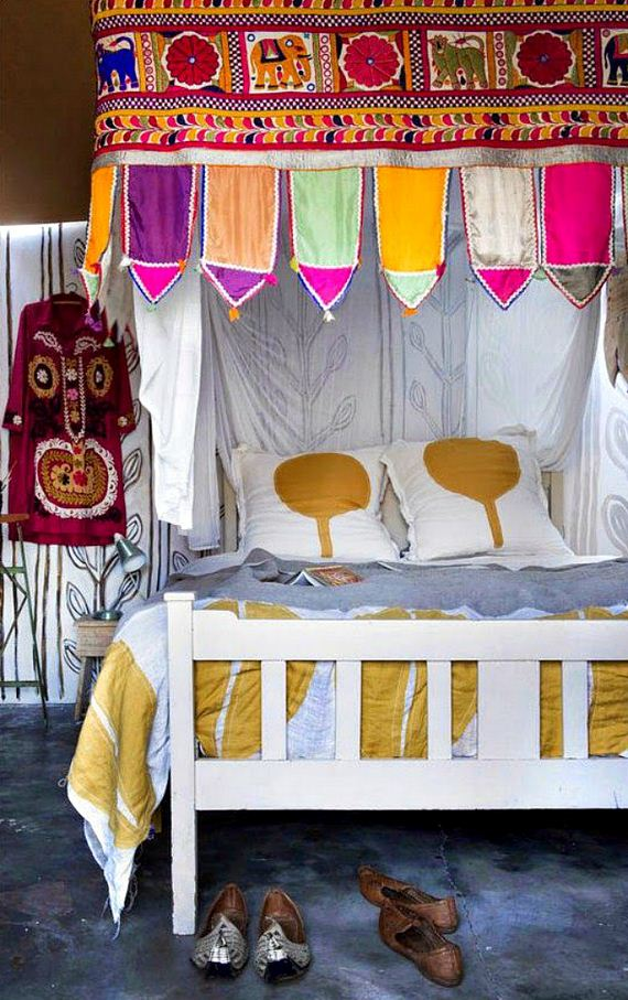 12-Canopy-Beds
