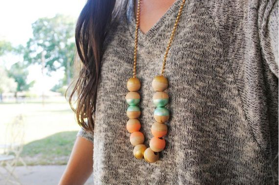 04-Beautifully-Colorful-DIY-Necklaces