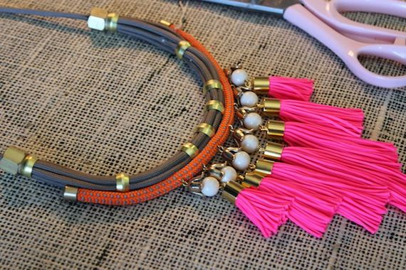 23-Beautifully-Colorful-DIY-Necklaces