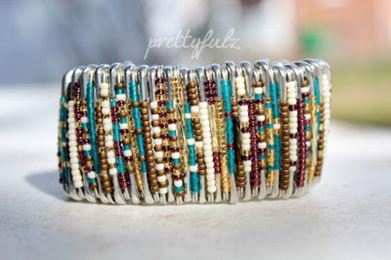 03-Make-Bracelets