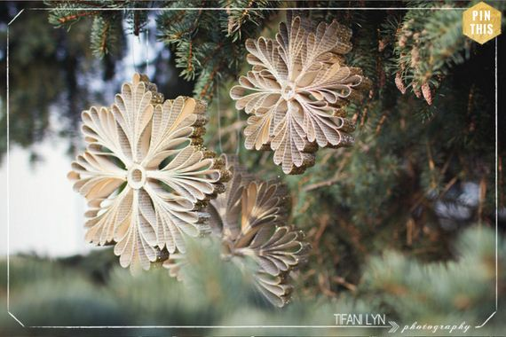08-Christmas-Ornaments