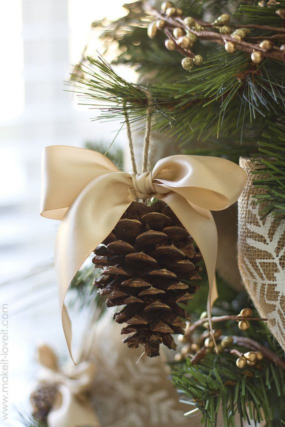 10-Christmas-Ornaments