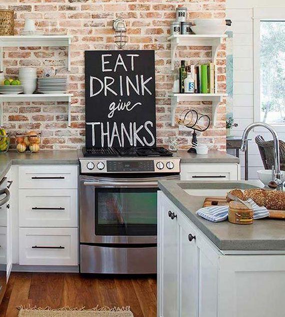 06-chalkboard-on-kitchen