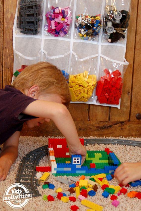09-Lego-Trays