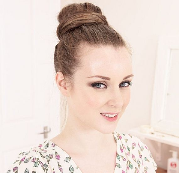01-Quick-And-Easy-Hair-Buns