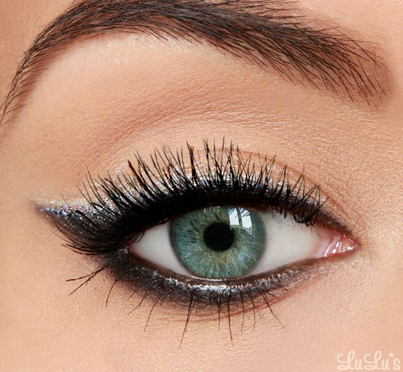03-Cat-Eye-Makeup-Tutorial