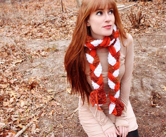 05-DIY-Chunky-Crochet-Infinity-Scarf