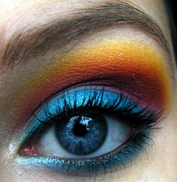 06-Deep-Blue-Inspired-Eye-Makeup