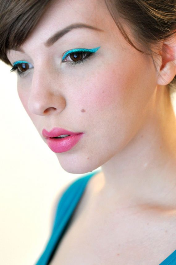 07-Cat-Eye-Makeup-Tutorial
