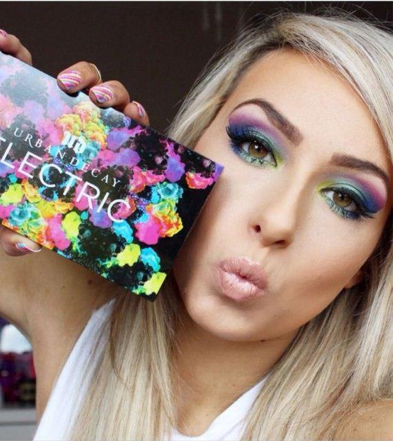 07-Deep-Blue-Inspired-Eye-Makeup