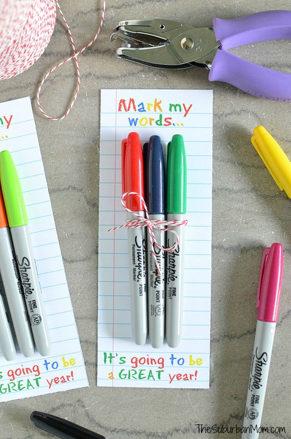 12-DIY-Magnetic-Clothespins