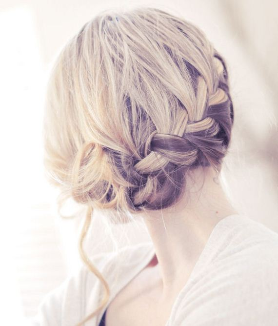 14-Quick-And-Easy-Hair-Buns