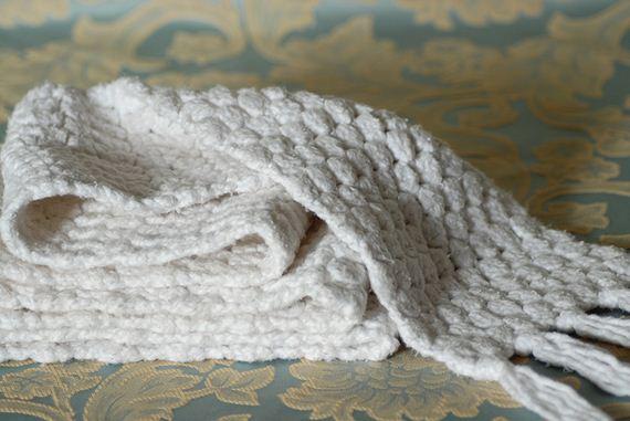 15-DIY-Chunky-Crochet-Infinity-Scarf