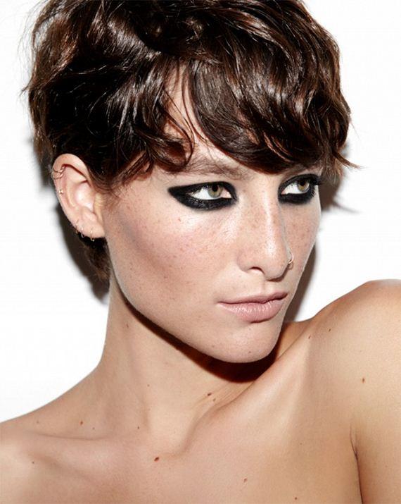 18-Cat-Eye-Makeup-Tutorial