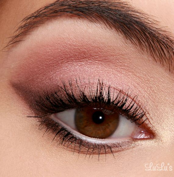 19-Cat-Eye-Makeup-Tutorial