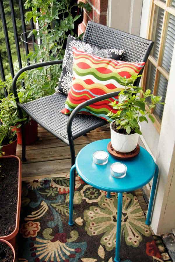tiny-balcony-furniture-5