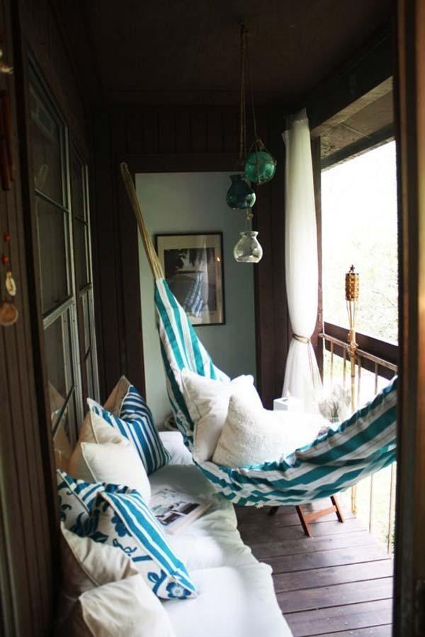 tiny-balcony-furniture-7-2
