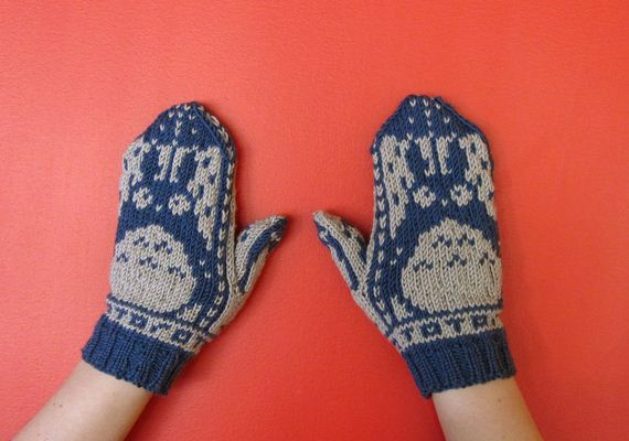 01-Everyone-Loves-Mittens