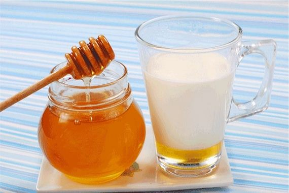 03-banana-honey-almond-mask