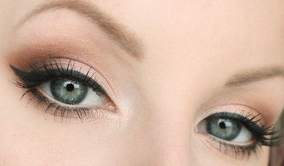 04-Cat-Eye-Winged-Liner-Tutorial