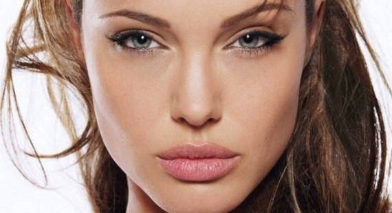 09-Ways-To-Make-Your-Lips-Look-Perfect