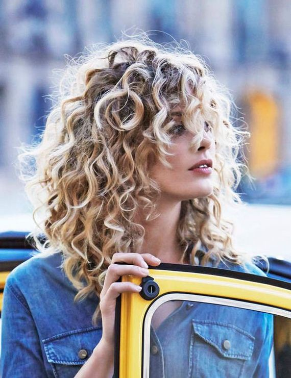 11-wavy-blond-curls-haircut