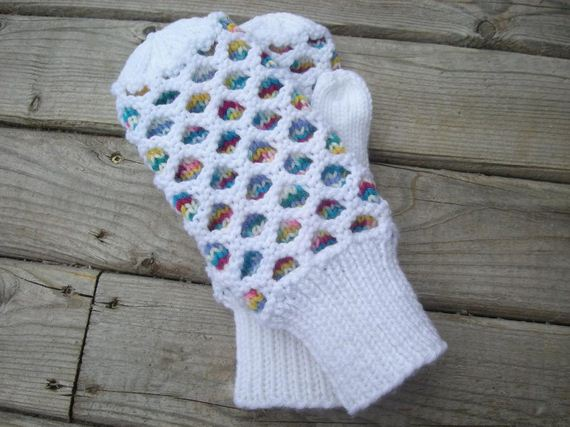 13-Everyone-Loves-Mittens