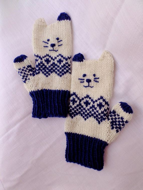 15-Everyone-Loves-Mittens
