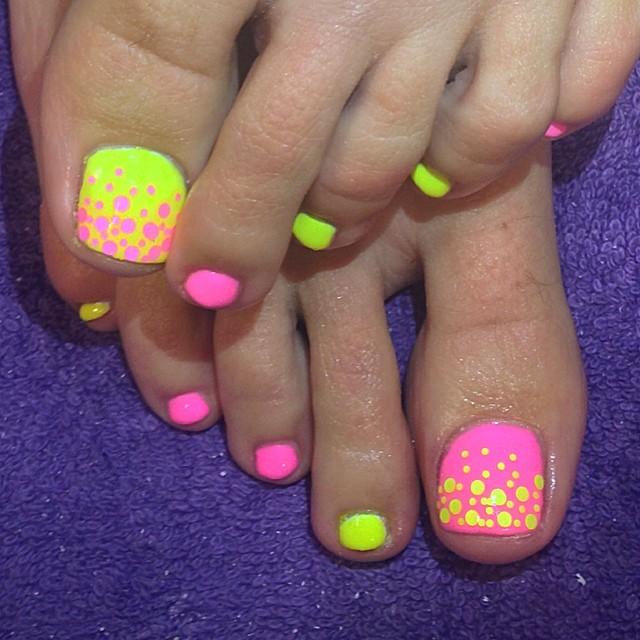 02-Toenail-Designs-Summer