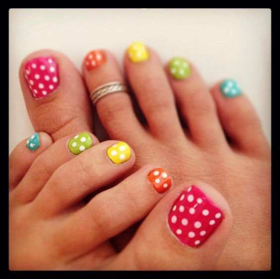 10-Toenail-Designs-Summer
