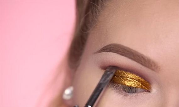 11-Gold_Cut_Crease
