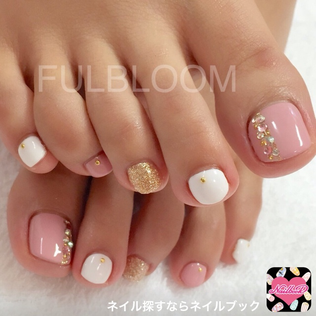 13-Toenail-Designs-Summer