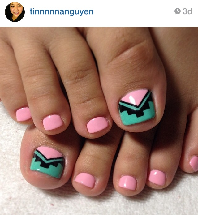 15-Toenail-Designs-Summer