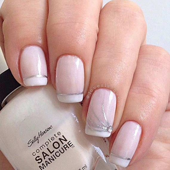03-French-Tip-Nails