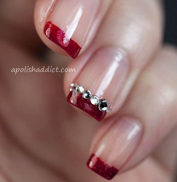 04-French-Tip-Nails
