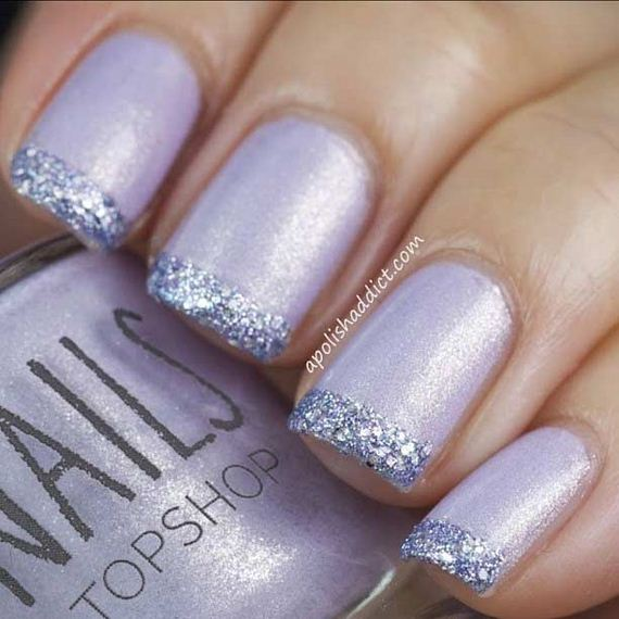 06-French-Tip-Nails
